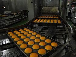 マクドナルド日本の味モチモチバンズ(工場で焼きたてを試食)