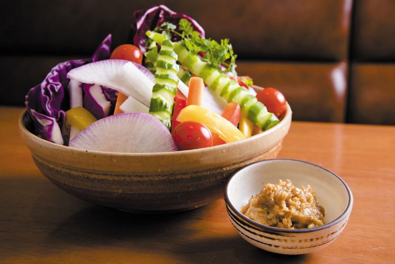6階 宮崎料理万作「本日の有機野菜盛り合せ~はだか麦味噌を添えて~」_R